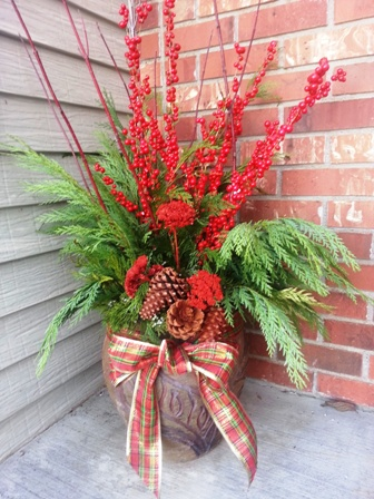 Decorating Your Porch Pots For Winter Town And Country